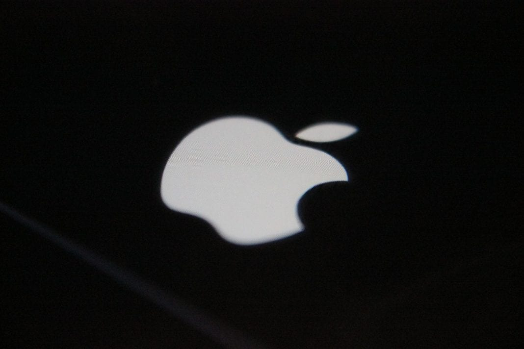 smartphone pliable apple